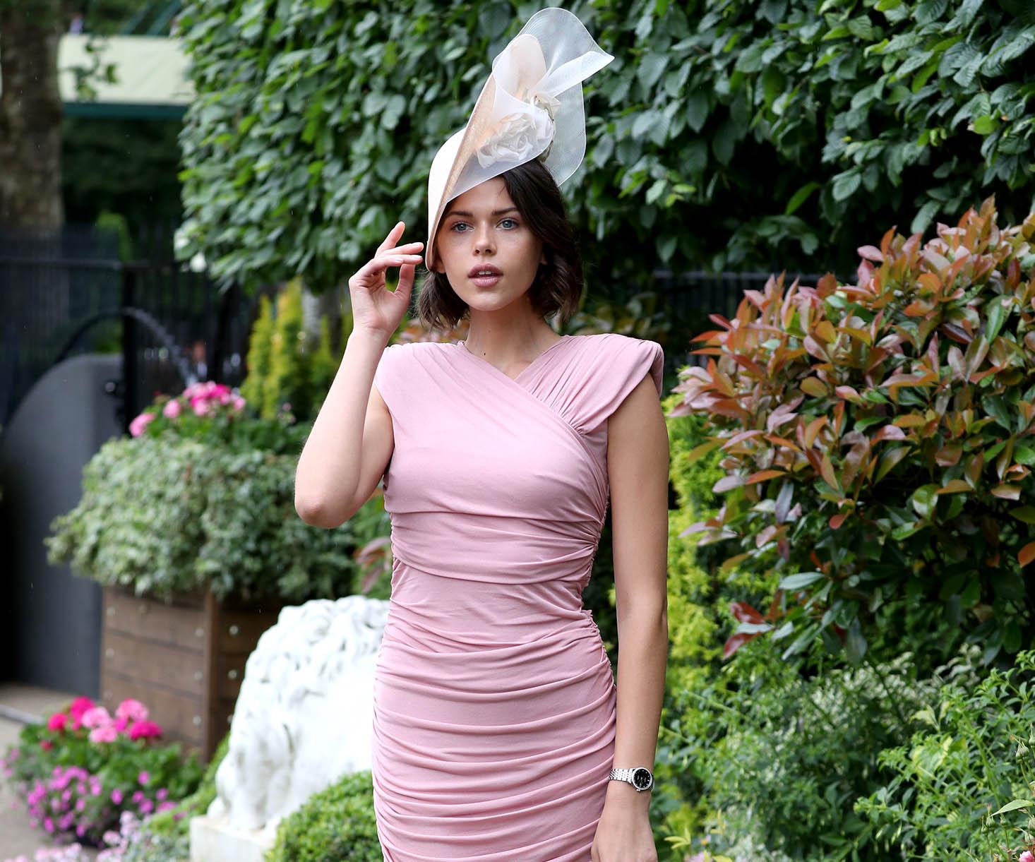 9d614a3a6 https://www.harpersbazaar.com.au/fashion/irina-shayk-tie-dye-trend ...