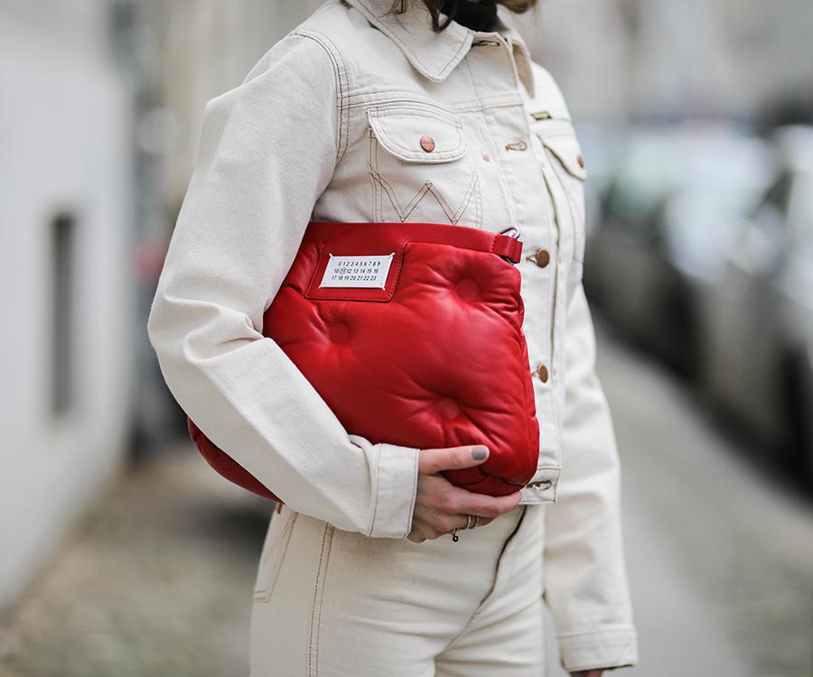 5ba2709b19c42 https://www.harpersbazaar.com.au/fashion/shoes-over-pants-trend ...