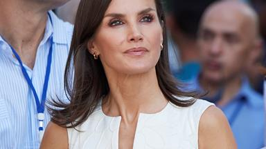 Queen Letizia Puts A Royal Spin On The Low-Cut Summer Dress During Cuba Trip