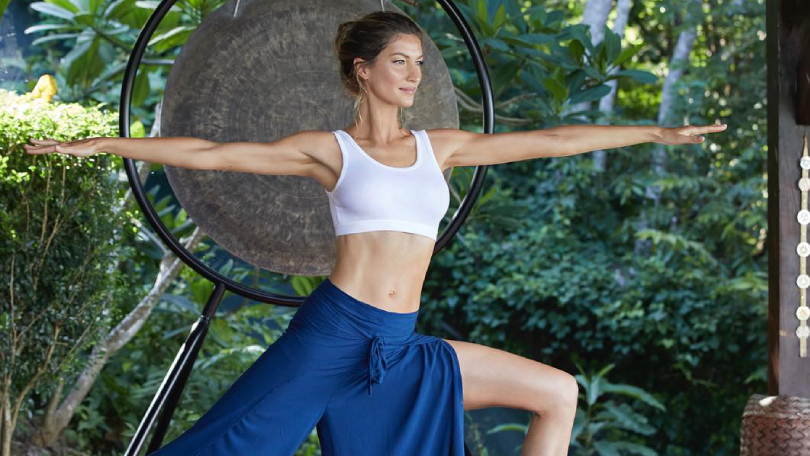 5 Easy Yoga Poses That Lower Stress And Anxiety In A Matter Of Minutes