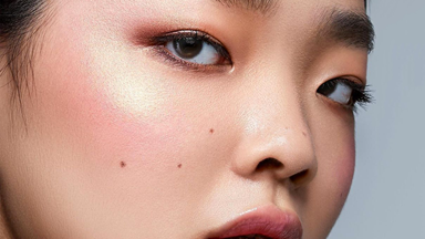 An Expert Guide To Mastering Blush Application