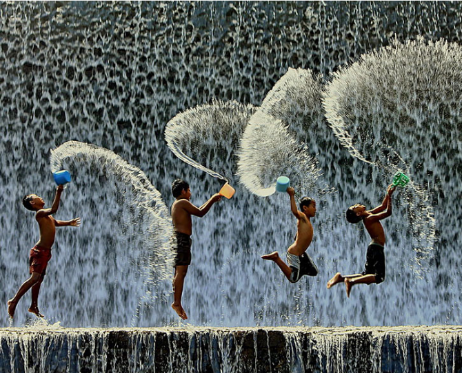 Children play in Indonesia  Image credit: Agoes Antara