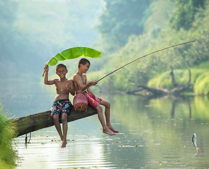 Children playing in Thailand  Image credit: Sarawut Intarob