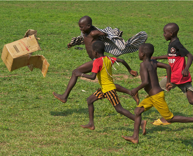 Children playing in Ghana  Image credit: Terry White