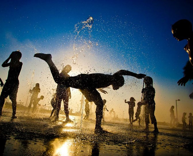 Children playing in Israel  Image credit: Dima Vazinovich