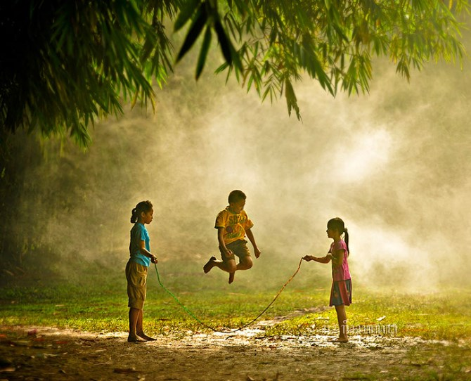 Children playing in Indonesia  Image credit: Rio Rinaldi Rachmatullah