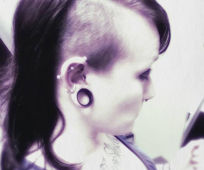 Teen gets her pet snake stuck in her earlobe