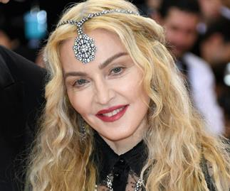 Madonna to adopt twin girls from Malawi
