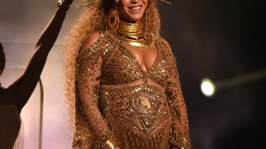 Has Beyonce given birth to boy and girl twins?
