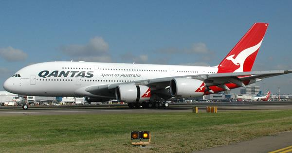 Qantas ditches in flight entertainment now to love stopboris Images