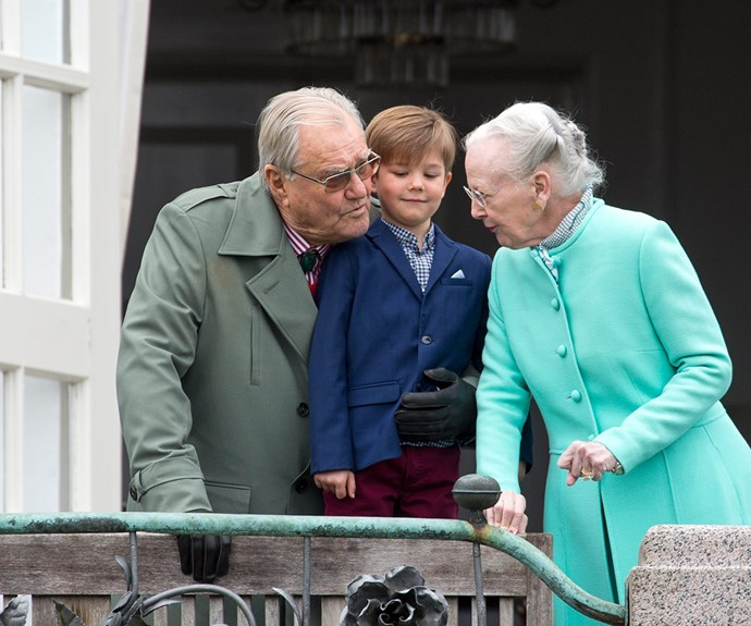 Prince Henrik made sure Vincent could see over the balcony.