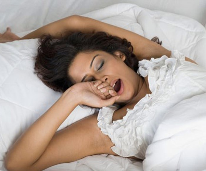5 Natural Ways to Fall Asleep Faster (That Don't Include Counting Sheep)