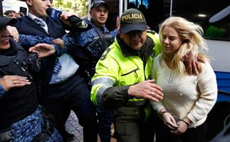 Cassie Sainsbury: judge REJECTS 6-year plea deal - Cassie will stand trial