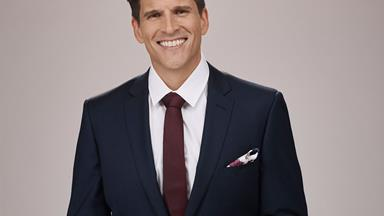 EXCLUSIVE: The Bachelor Australia's Osher Günsberg introduces us to his lovely stepdaughter