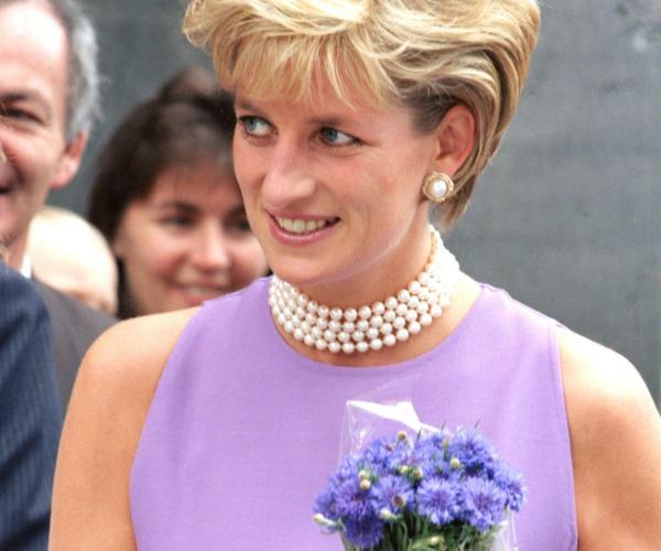 Diana died due to injuries sustained in the crash after she reached the hospital. She was only 36.