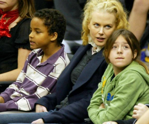 Nicole is pictured alongside Connor and Isabella back in 2004.