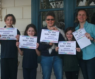 Kids with gay parents urge Australians to vote for marriage equality