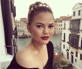 Chrissy Teigen makeup tip