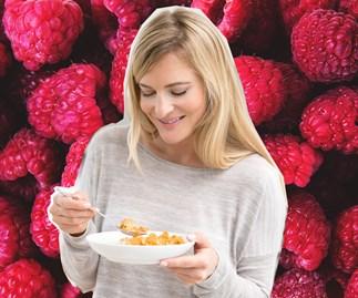 woman eating low gi food