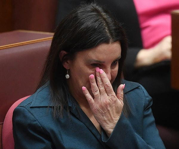 Jacqui Lambie barely kept it together in an emotional resignation speech