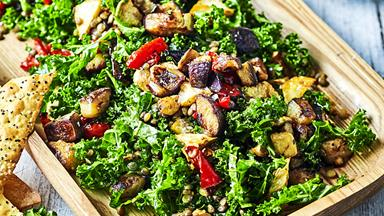 12 deliciously healthy Christmas salad recipes