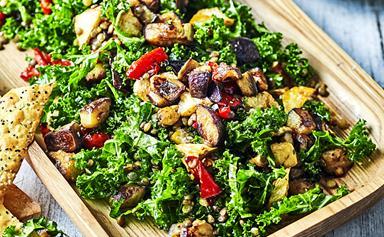 12 deliciously healthy Christmas salad recipes