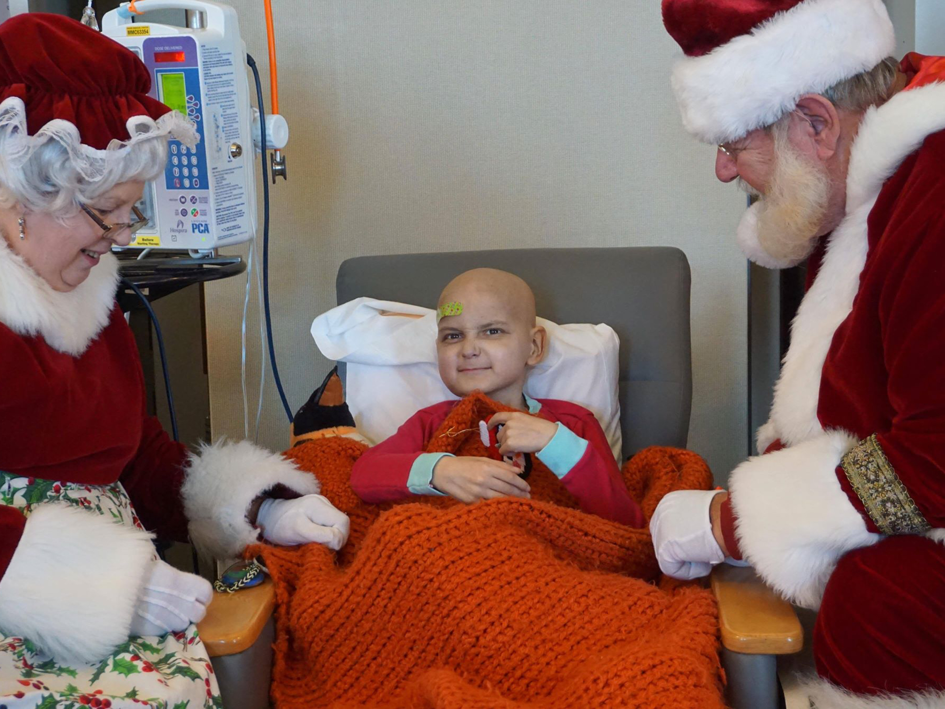 9-year-old boy with cancer, who asked for Christmas cards, dies