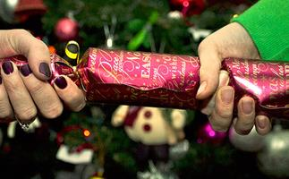 40 Christmas cracker jokes that are actually funny