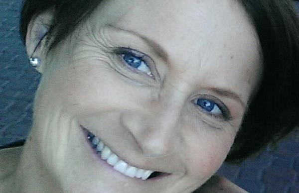 Daughter of murdered mum finds unfinished 21st birthday present when going through her closet