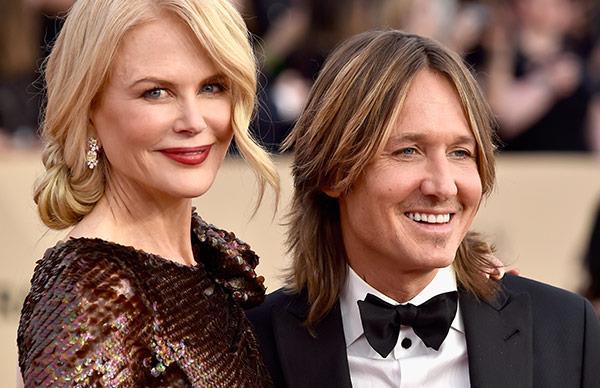 Nicole Kidman's SAGs entrance is as elegant as she is