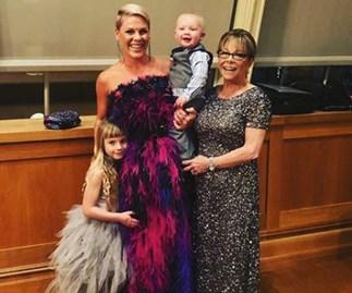 Pink brings her mum and daughter to the Grammys