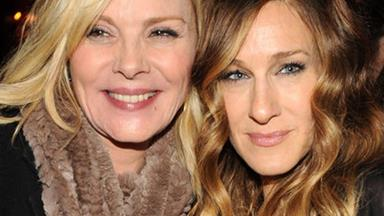 """What feud? SJP sends 'SATC' Co-Star Kim Cattrall """"love and condolences"""" after her brother's death"""