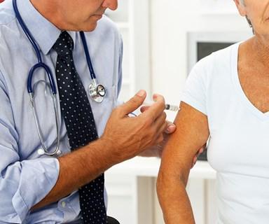 Free stronger flu vaccine for older Australians after last year's deadly flu season