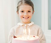 Sweden's Princess Estelle celebrates her sixth birthday with a royal sugar rush