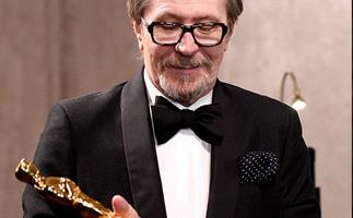 Gary Oldman dented his new Oscar