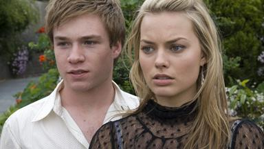 "Margot Robbie's natural accent was too ""Aussie"" for Neighbours"