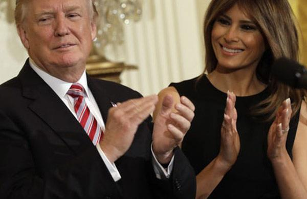 """Donald and Melania Trump both """"hiding anger"""" in new Instagram picture, says expert"""