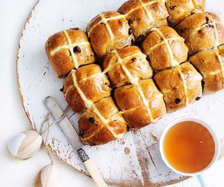 Easter hot cross bun recipe