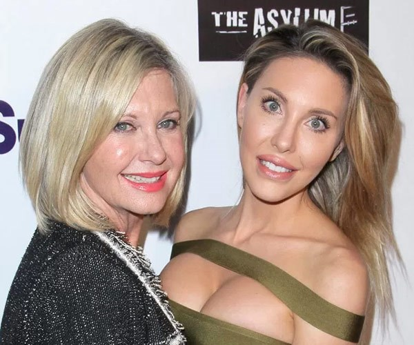 Olivia Newton-John and Chloe Lattanzi