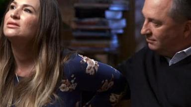"""""""I don't see it lasting"""": Body language expert weighs-in on Barnaby Joyce & Vikki Campion interview"""