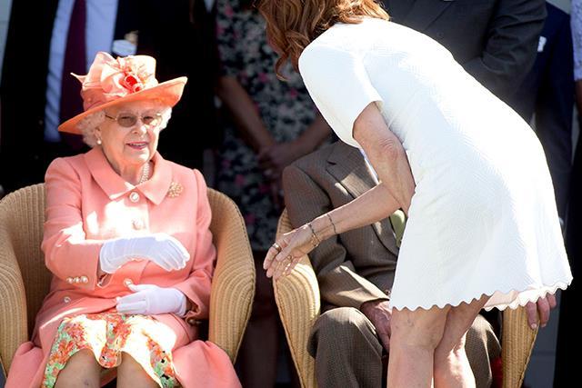 Susan Sarandon breaks Royal protocol with the Queen