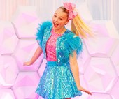 Nickelodeon's JoJo Siwa dishes on her visit to Australia, finding inspiration and her famous JoJo's Bows