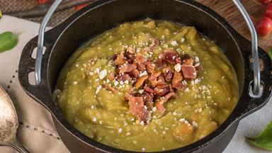 Winter recipes: pea and ham soup