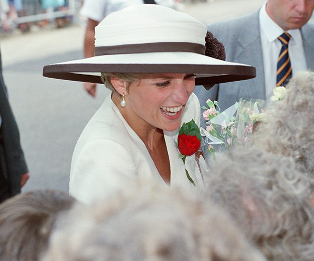 Princess Diana glows in unseen candid photo shared by her best friend