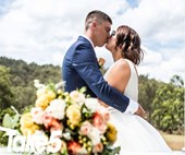 Real life: Strangers paid for my perfect wedding