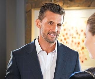 Tim Robards arrives in Ramsay Street.