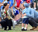 This adorable moment between Prince Harry, Duchess Meghan and an Australian toddler will melt your heart