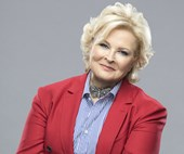Murphy Brown is back − and not afraid to take sides