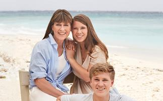 """""""I think it's a natural effect of losing him"""" - How Steve Irwin's death made the Irwin family stronger"""
