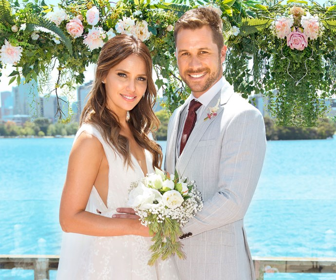 Neighbours' Elly and Mark tie the knot! See all the photos from their wedding day